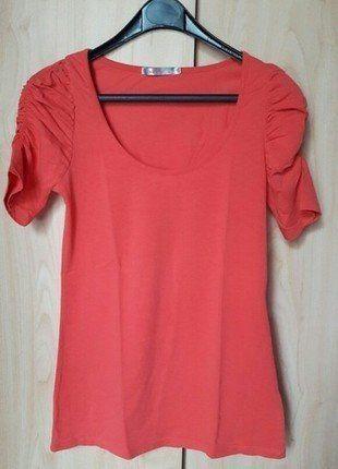 À vendre sur #vintedfrance ! http://www.vinted.fr/mode-femmes/hauts-and-t-shirts-t-shirts/37544667-haut-corail-jennyfer