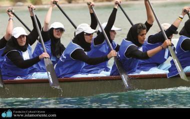 Mujeres musulmanas en competencia de Remo / Irán