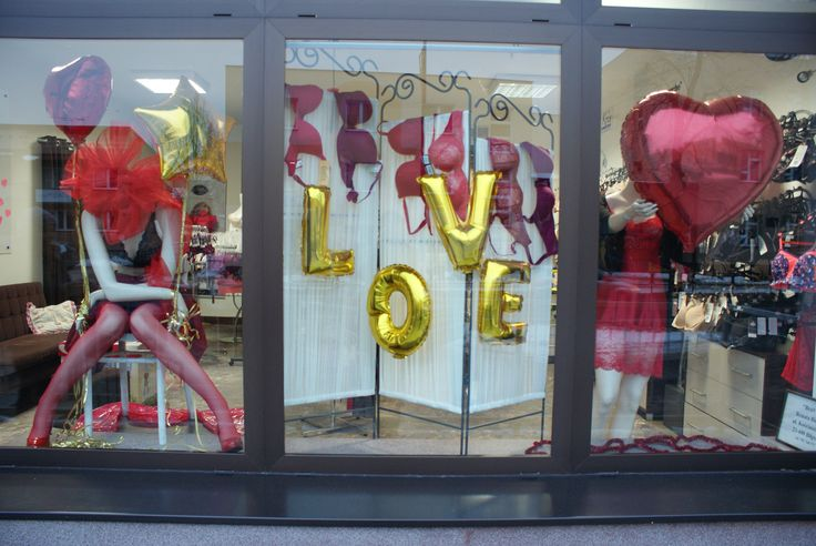 Valentines 2017 #loveisintheair #valentines #dopasujstanik #stanikowelove #brafitting #biłgoraj #visualmerchandising