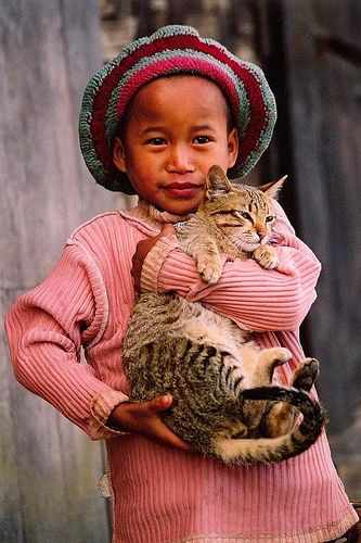 Asia - Myanmar / Burma - Girl With Cat