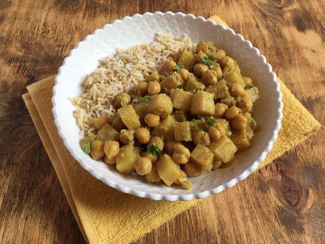 Coconut Celeriac and Chickpea Curry // Curry di sedano rapa e ceci al cocco