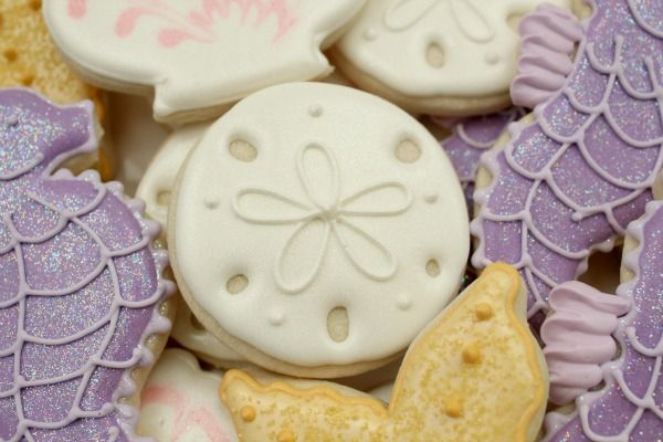 Mermaid party ideas: Simple Sand Dollar Cookies by Sweet Sugarbelle