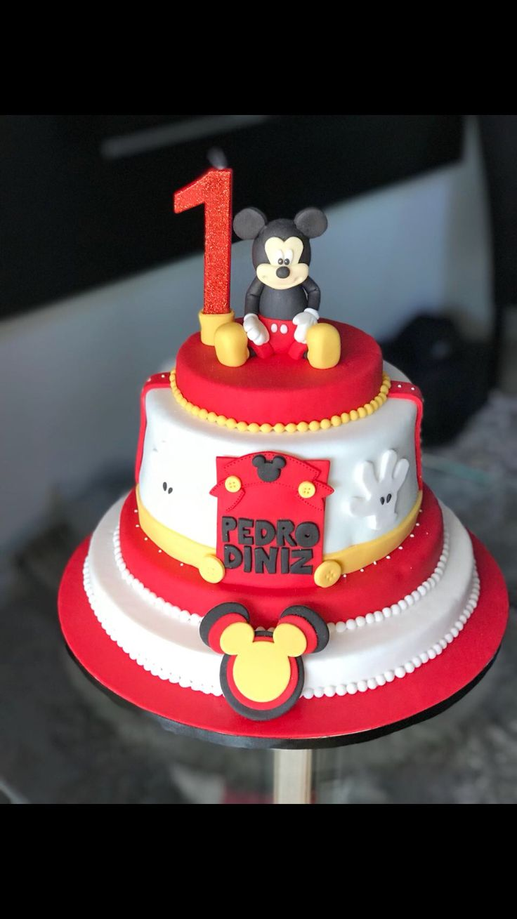 how to make mickey mouse cake