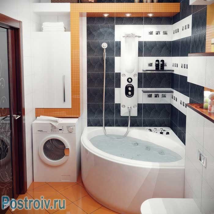 Угловая ванна вместе со стиральной машиной. Фото
