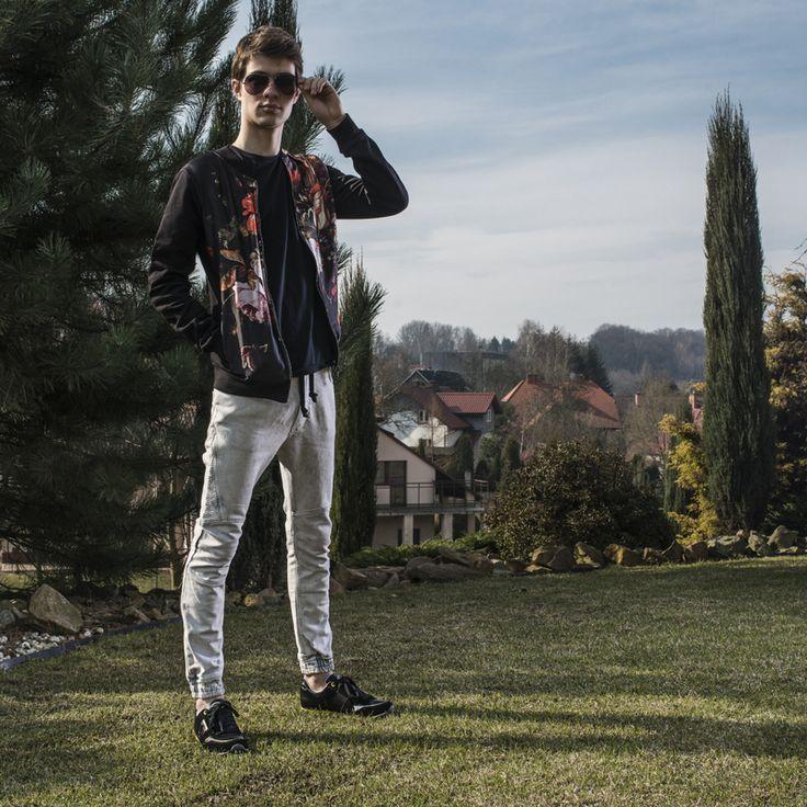 http://zebra-buty.pl/obuwie/versace-jeans