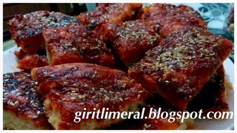 Giritli Meral'in Mutfağı: BİBERLİ EKMEK