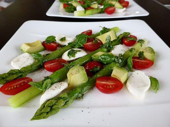 Spargelsalat - italienisch, ein sehr leckeres Rezept aus der Kategorie Schnell und einfach. Bewertungen: 60. Durchschnitt: Ø 4,6.