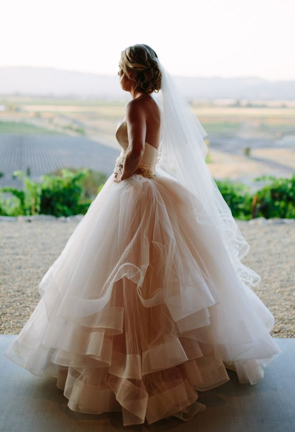 Best 25 vineyard wedding dresses ideas on pinterest for Vineyard wedding dresses for guests