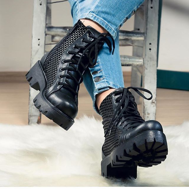 ALEX SİYAH MAT AYAKKABI Fiyat:99.90 TL  www.fashionturca.com