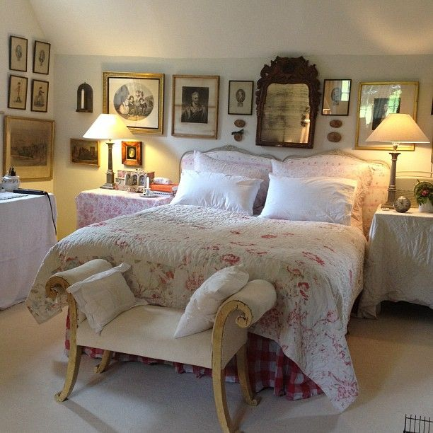 Cottage Bedrooms: Instagram Photo By @cabbages_and_roses (Christina Strutt