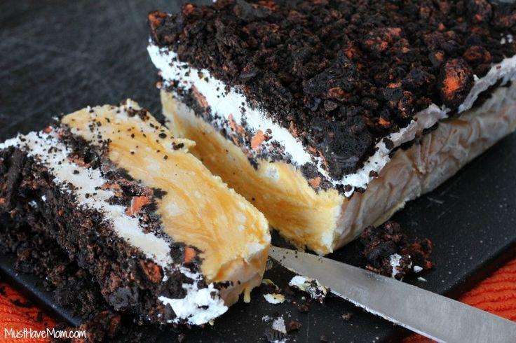 Halloween Frozen Oreo Pudding Cake
