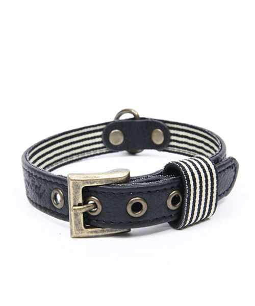 WAGWORLD BLACK LEATHER DOG COLLAR - MEDIUM. Available from Nuzzle.co.za