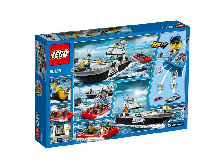 LEGO® City Police60129 Polizei-Patrouillen-Boot Hindere den Ganoven daran, auf der Überfahrt zur Gefängnisinsel zu entkommen!  Enthält 4 Minifiguren: einen Polizisten, eine Polizistin, eine Ganovin und einen Ganoven. Enthält ein Polizeiboot und das Schlauchboot der Ganoven. Das Polizeiboot verfügt über einen aus Steinen baubaren Suchscheinwerfer sowie über eine Zelle mit Ausbruchfunktion. Das Schlauchboot der Ganoven ist mit einem Anker samt Kette ausgestattet.