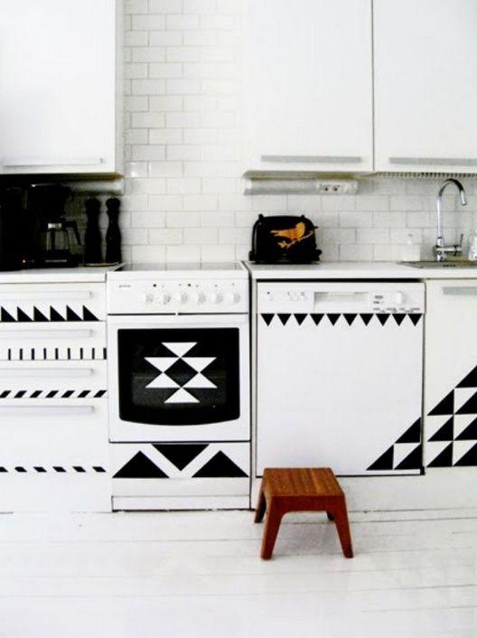 Чёрно-белые кухни / Кухня / ВТОРАЯ УЛИЦА