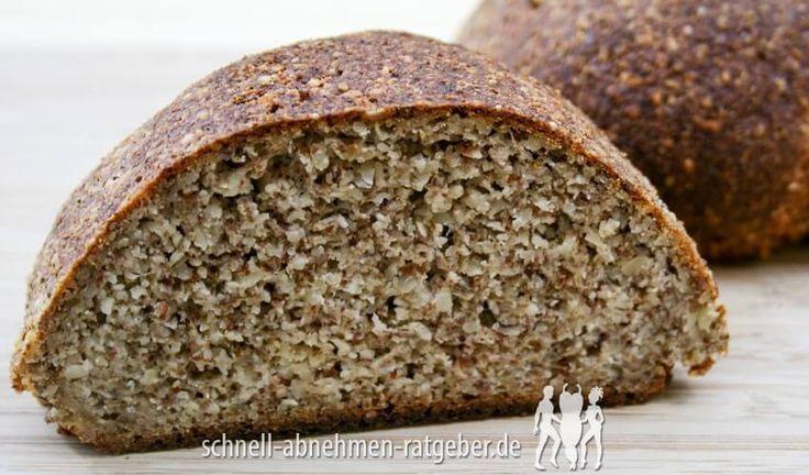 Chia-Brot Low Carb: 500 g Magerquark 300 g Mandeln gemahlen 50 g Chia Samen 1 Pck. Backpulver 1/2 TL Salz