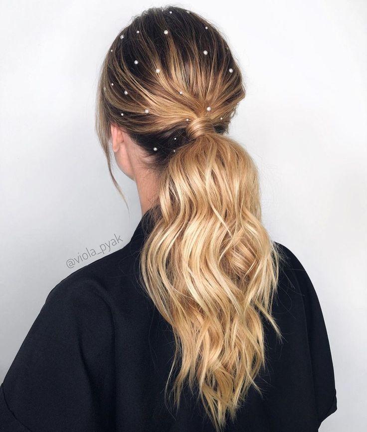 "Виола ПЯК on Instagram: ""Pearls🤍 ・・・ #dysonhair #dysonprohair #ghdhair #modernsalon #hairstyle #instahair #wave #hairdye #hairdo #haircut #braid #straighthair…"""
