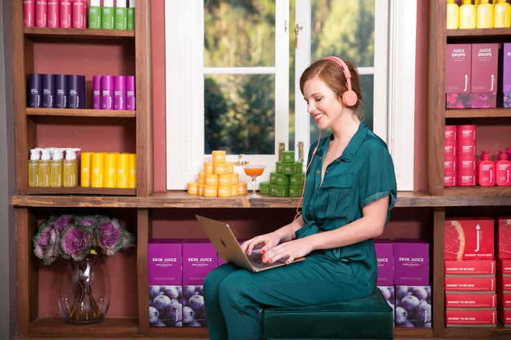 Skin Juice beauty therapists regularly update their knowledge.  Healthy skin experts love to watch and learn from our professional training videos on the Skin Juice online training portal.