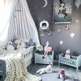 •sponset/reklame• Ønsker alle en fin uke, siste innspurt før desember og juletid ❤️✨🎄 •tap picture for product details• - #kidsroom #barnerom #barnrum #kinderkamer #kinderzimmer #babyroom #babyfashion #nursery #nurseryinspo #love #chunkyknit #soverom #bedroom #interiorstyling #kidsdecor #jenterom #girlsroom #details #inspo #bedcanopy #jollyroomno