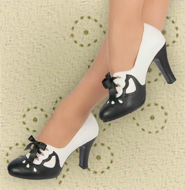Aris Allen 1930s Black & Ivory Suede Sole Heeled Oxford - amazing! Little weird but I like it