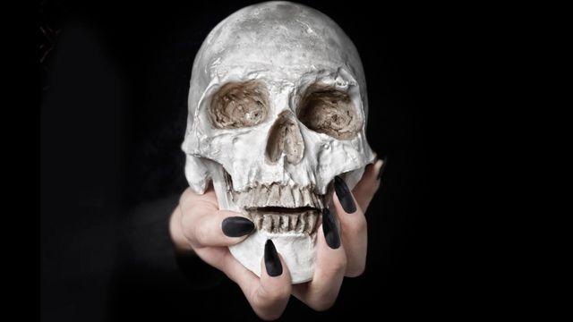 Stiletto Nails #Skull #Halloween #Black