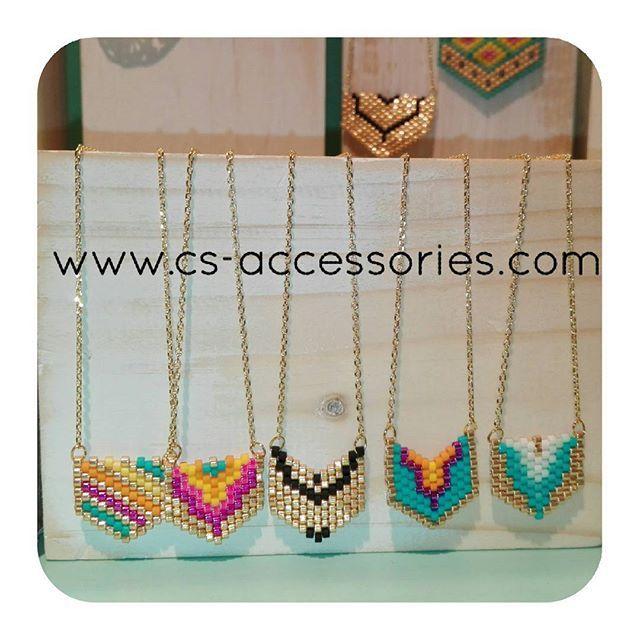 Este Verano los chevron de visten de Oro!  #chevroncsaccessories #necklaces #handmade #hechoamano…