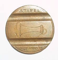 Questo gettone telefonico vala 80 euro. Lo trovate tra le monete rare italiane su https://moneterare.net