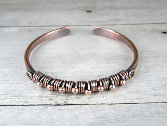 Verouderde koperdraad Wrap Bangle met koperen parels MADE TO