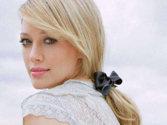 No creerás qué famoso confesó que Hilary Duff fue y es el amor de su vida. Nada más y nada menos que ¡Aaron Carter! La pareja tuvo un romance cuando ambos eran adolescentes, 14 años, ¡imagínate!