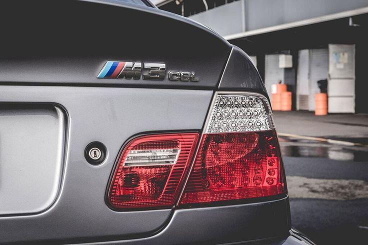 #bmw #m #vintage #supercar #myautoclass                                        Correva infatti il 2003 quando BMW introdusse una sportiva affilata e divertentissima, estensione del progetto M3 e46, realizzata in 1.383 esemplari andati tutti esauriti nel giro di alcuni mesi. I suoi contenuti ed il suo spessore tecnico la qualificavano immediatamente come top di gamma. Un'ulteriore conferma arrivava dall'acronimo CSL: la Coupé Sport Lightweight.