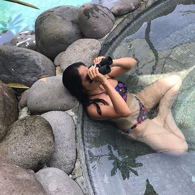 Salma Hayek exhibe su figura en bikini a días de cumplir 51 años; no creerás como luce