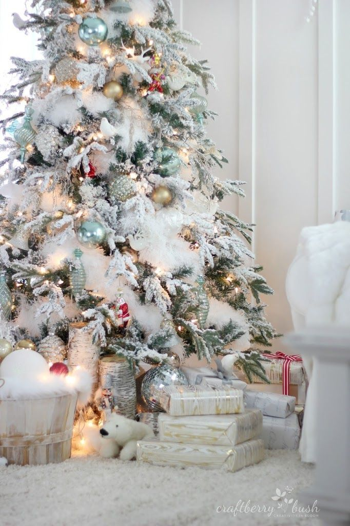 """The flocked tree – secret garland revealed """"I drove to the Dollar Store and…"""