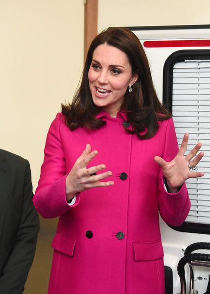 Kate Middleton Photos - Catherine, Duchess of Cambridge during the visit Coventry University, Science and Health Building on January 16, 2018 in Coventry, England. - The Duke and Duchess Of Cambridge Visit Coventry