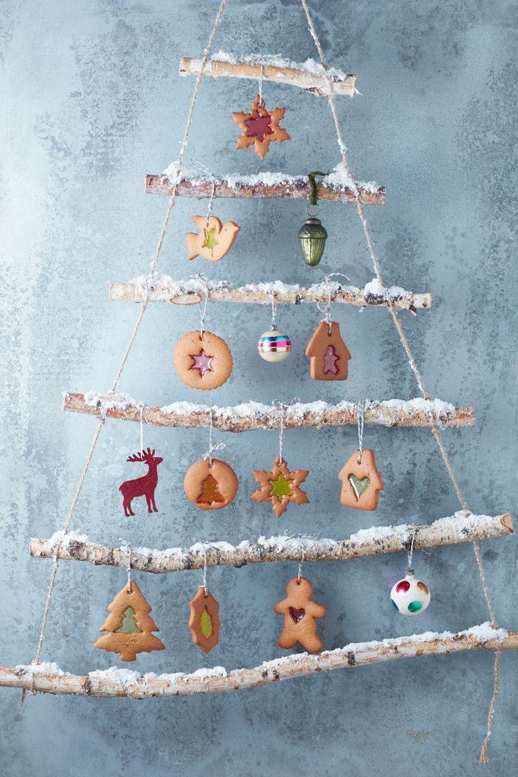 Coloured gingerbread windows Photo: Danielle Wood Mima Sinclair