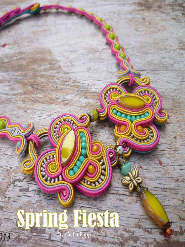 Sensational Csilla Papp necklace design - get the pattern at www.digitalbeading.com.au