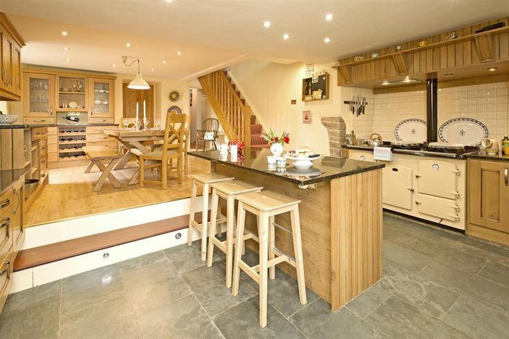 The definition of a farmhouse kitchen!    With beautiful panoramic views across the Avon Valley, Hingston Farmhouse (sleeps 12) is just a short drive from one of South Devon's most famous beaches - Bigbury-on-Sea.