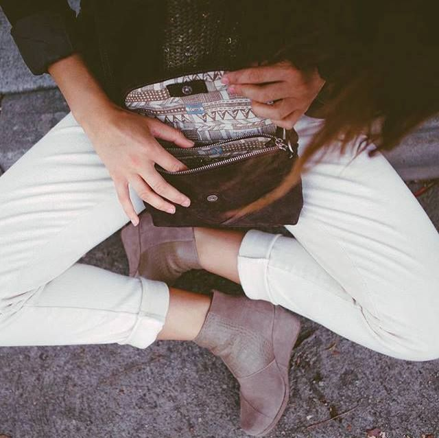 #FALL is in the air!   These new @TOMSgreece desert wedge #booties are just in time for the dropping temperatures...and did we mention they're super comfy too?  #wecreateharmony #toms #tomsgreece #newarrivals #oneforone #sundayvibes  Shop the booties here: http://bit.ly/1lmPXnD