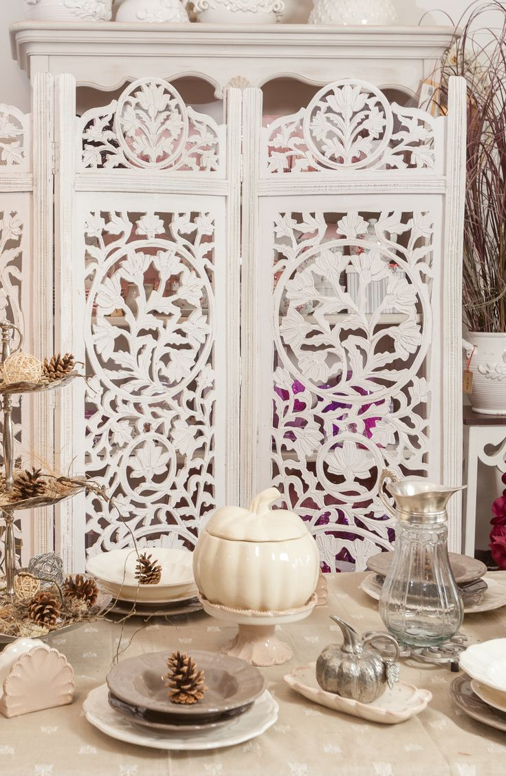 Fine Ivory Coloured Set, White Decorative Moments, Silver Decorations, Shabby Chic Houses