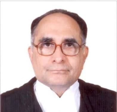 Sarosh Homi Kapadia, former Chief Justice of India passed away. On Tuesady Bombay High court sources told that SH Kapadia had a cardiac attack.
