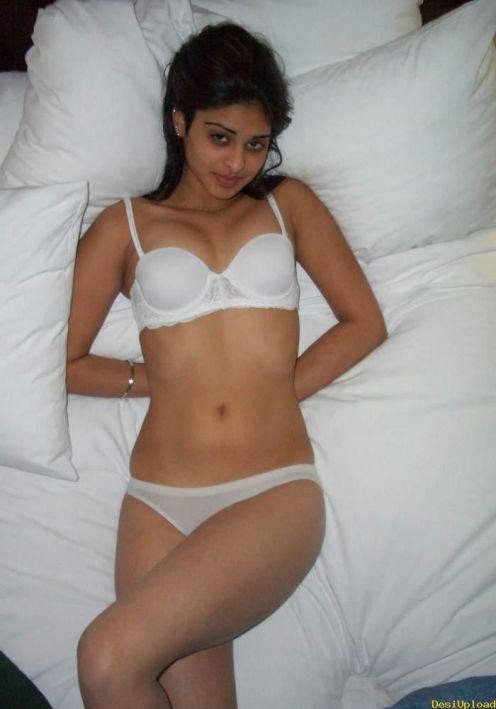 Real Indian Girl Cute Desi In Bed- Bra N Panties Only -1107