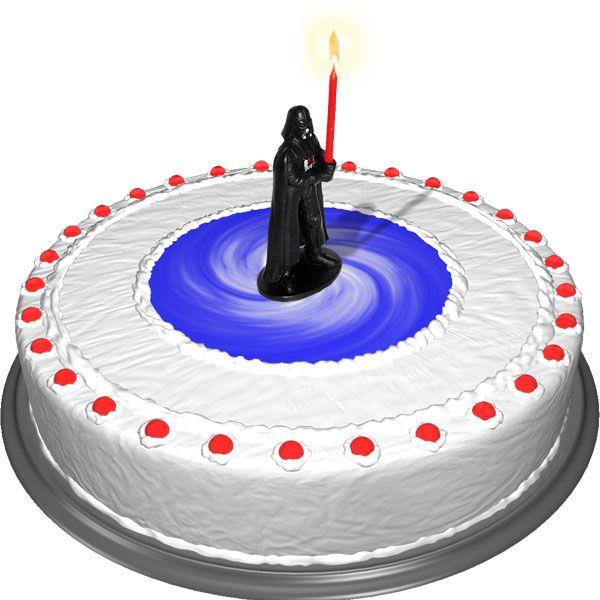 Świeczka na tort dla prawdziwego fana Gwiezdnych Wojen, figurka Darth Vader. Świeczka jest doskonałą dekoracją i będzie prawdziwą niespodzianką dla każdego wielbiciela sagi Star Wars.