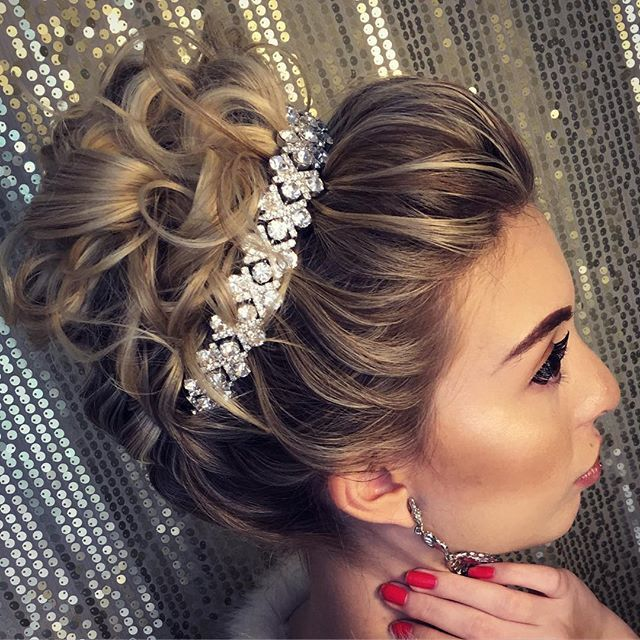 Good morning c this prettiness made in improving course  # hairstyle #hairstylist #noiva #noivinha #penteados #penteado #casamento