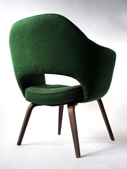 Executive armchair by Eero Saarinen.