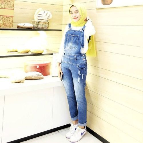 How to wear jumpsuits with hijab – Just Trendy Girls: http://www.justtrendygirls.com/how-to-wear-jumpsuits-with-hijab/