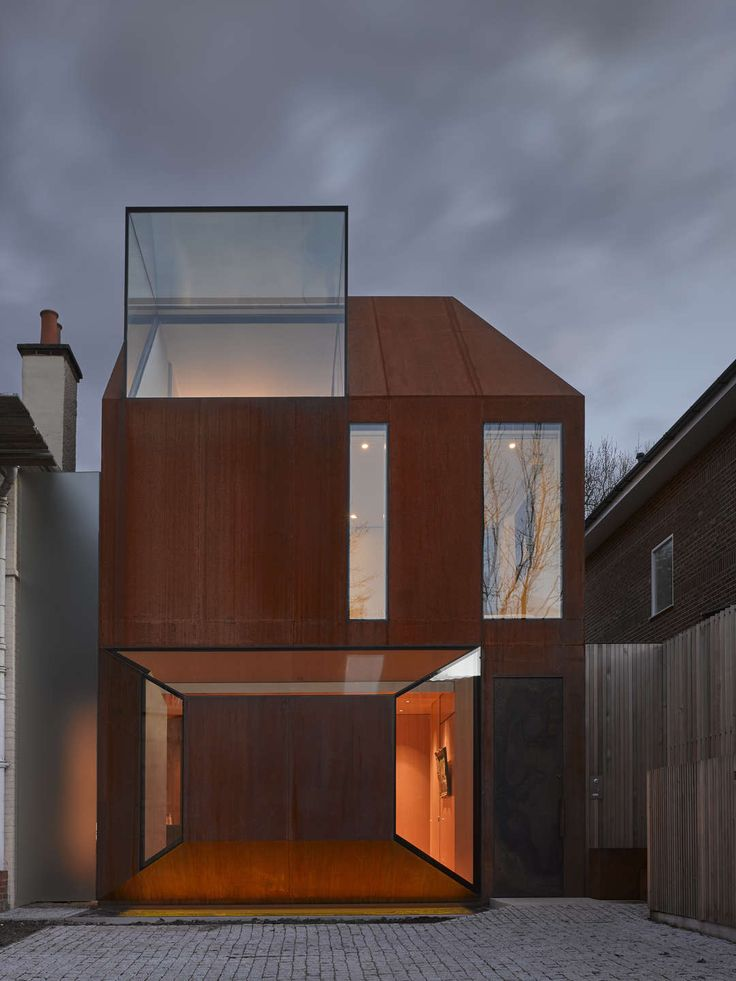 Cor-Ten House in Putney by Eldridge London in London, United Kingdom | #Minimal #Architecture #CorTen