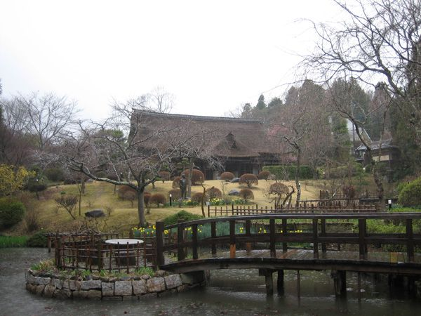 茨城県、焼き物の里、笠間。こちらは魯山人の春風亭里荘。