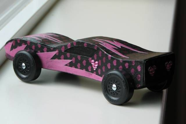 Girl Pinewood Derby Cars | car1_by_Violin28.JPG