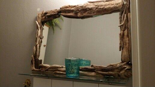 Drivved runt en tråkig spegel..