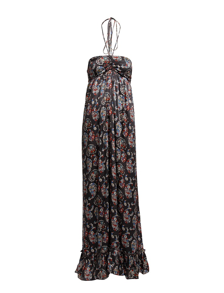 SHORT LEGS - A maxi dress with a gathering under your chest will instantly lengthen your legs.