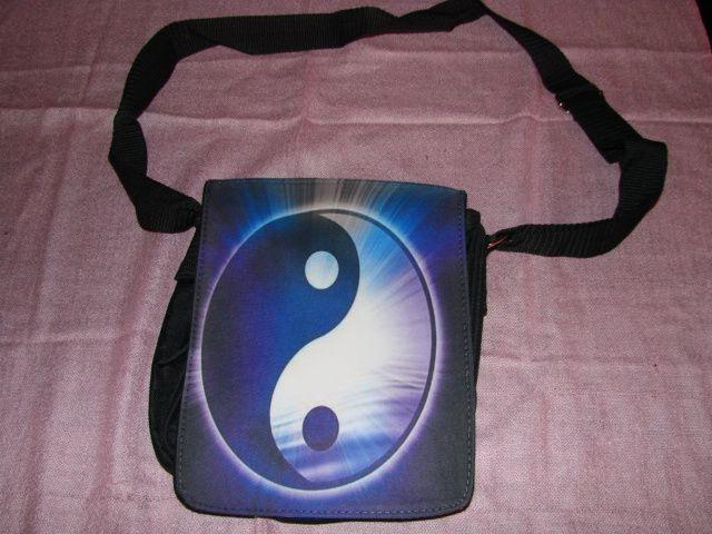 Design your own funky shoulder bag