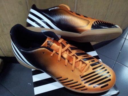 Sepatu Futsal Adidas Predito LZ Hitam Emas